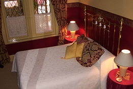 Triune House Bed and Breakfast - Mackay Tourism