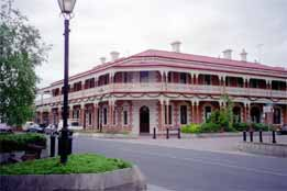 Jens Town Hall Hotel - Mackay Tourism