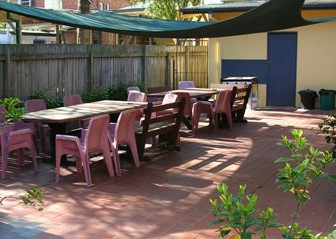 Manly Bunkhouse - Mackay Tourism