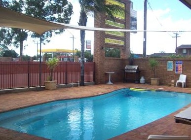 Town And Country Motor Inn Cobar - Mackay Tourism