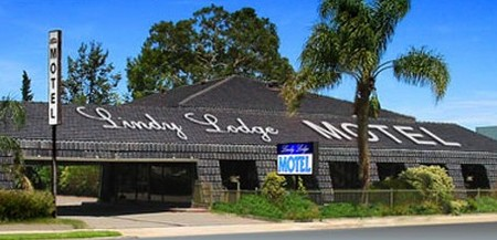 Lindy Lodge Motel And Function Centre - Mackay Tourism