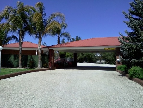 Golden Chain Border Gateway Motel - Mackay Tourism