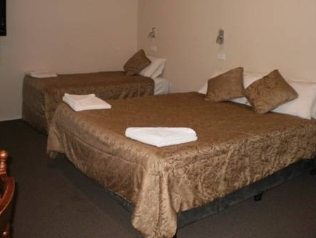Colonial Village Motel - Mackay Tourism