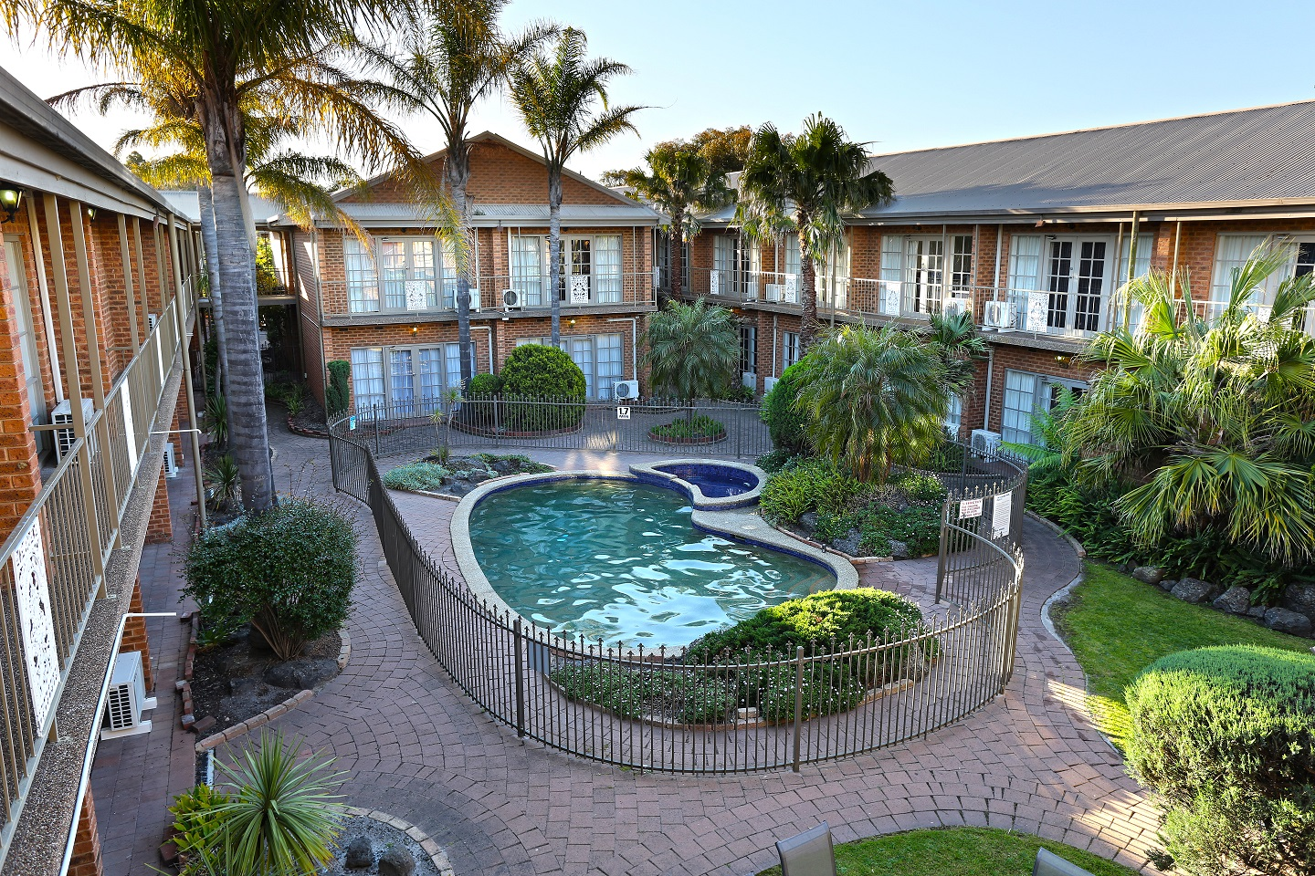Quality Hotel Melbourne Airport - Mackay Tourism