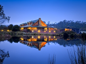 Peppers Cradle Mountain Lodge - Mackay Tourism