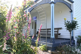 Devonport Bed  Breakfast - Mackay Tourism
