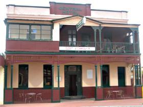 Central Hotel Zeehan - Mackay Tourism