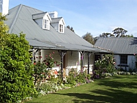 Orford's Sanda House BB - Mackay Tourism