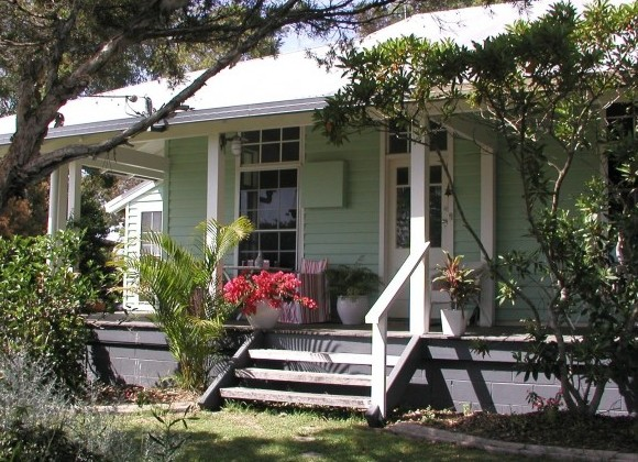 Huskisson Bed  Breakfast - Mackay Tourism