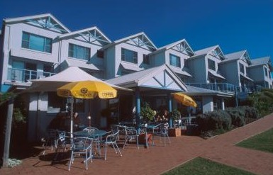 Breakers Apartments Mollymook - Mackay Tourism
