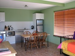 Fossickers Cottages - Mackay Tourism