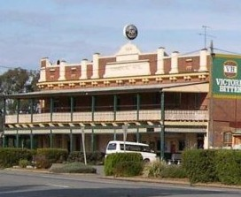 Commercial Hotel Barellan - Mackay Tourism
