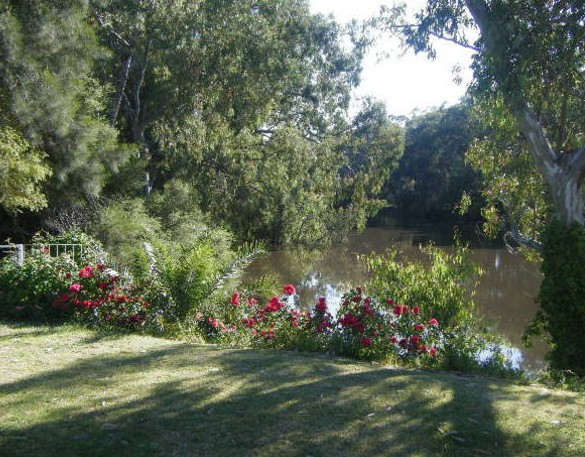 Bidgee Bankside Cottage - Mackay Tourism