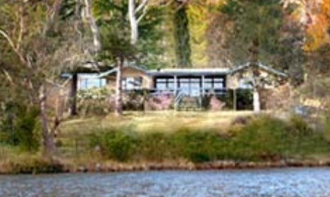 Blue Mountains Lakeside Bed and Breakfast - Mackay Tourism