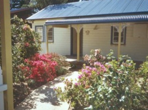 AppleBlossom Cottage - Mackay Tourism