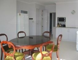 Olas Holiday House - Mackay Tourism