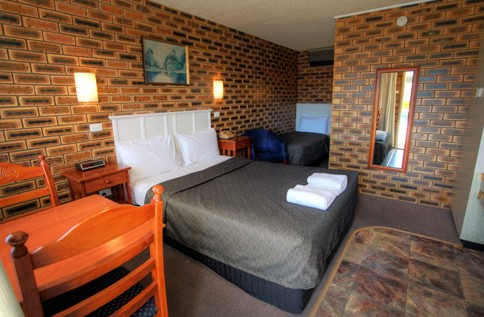 Apple and Grape Motel - Mackay Tourism
