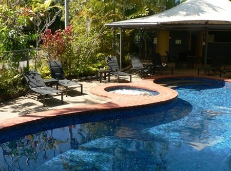 At The Mango Tree Holiday Apartments - Mackay Tourism