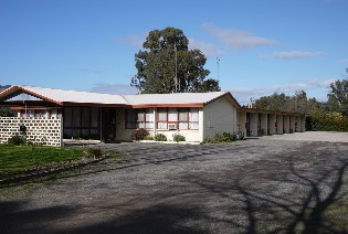 The Castle Creek Motel - Mackay Tourism