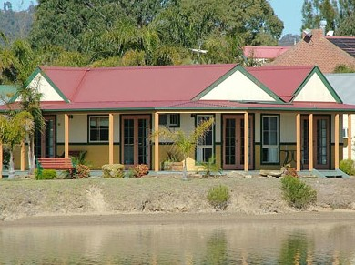 Coachhouse Marina Resort Batemans Bay - Mackay Tourism