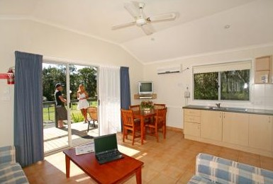 Samurai Beach Resort - Mackay Tourism