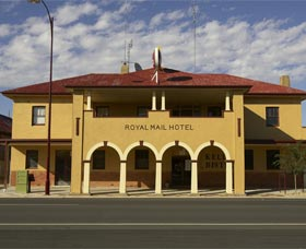 Royal Mail Hotel Jerilderie - Mackay Tourism