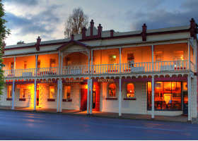 Royal George Hotel - Mackay Tourism