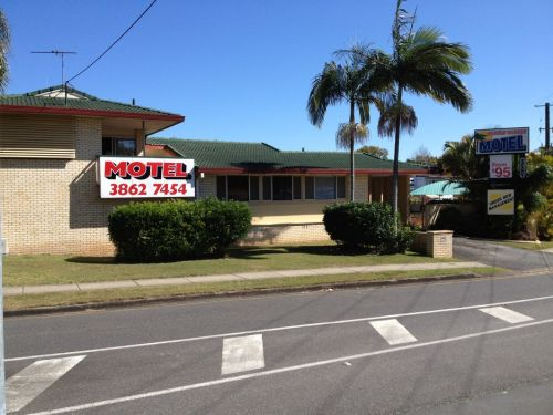 Aspley Sunset Motel - Mackay Tourism