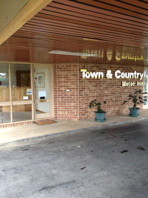 Town amp Country Motor Inn Forbes - Mackay Tourism