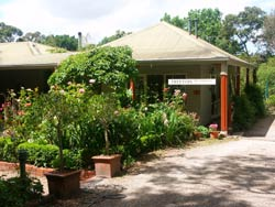 Treetops Bed And Breakfast - Mackay Tourism