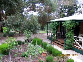 Barossa Country Cottages - Mackay Tourism