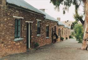 Burra Heritage Cottages - Tivers Row - Mackay Tourism