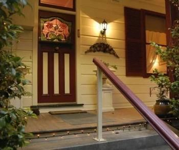 Chalet Blue Mountains - Mackay Tourism