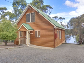 Orford Riverside Cottage - Mackay Tourism