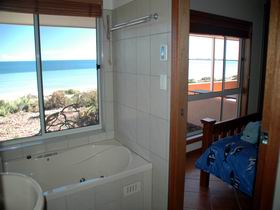 Ceduna Shelly Beach Caravan Park and Beachfront Villas - Mackay Tourism