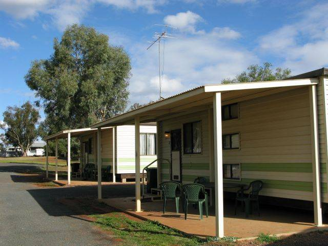 Lake View Caravan Park - Mackay Tourism