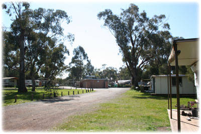 Lake Waranga Caravan Park  Holiday Camp - Mackay Tourism