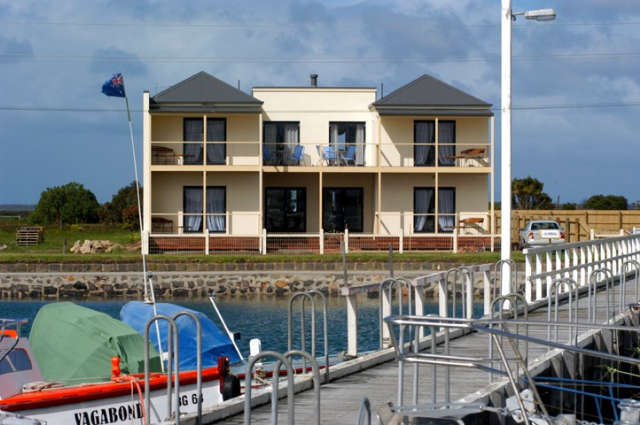 Port Albert Bed  Breakfast - Mackay Tourism