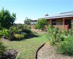 Mureybet Relaxed Country Accommodation - Mackay Tourism