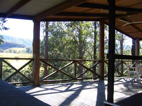 Riverwood Downs Mountain Valley Resort - Mackay Tourism