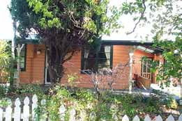 Times Past Bed  Breakfast - Mackay Tourism