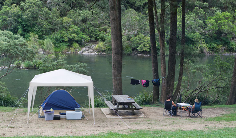 Platypus Flat campground - Mackay Tourism
