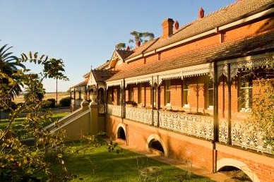 Hermitage Hill Resort And Conference Centre - Mackay Tourism