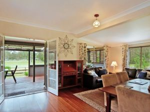 Woollamia Farm Cottage Accommodation - Mackay Tourism
