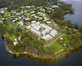Tinaroo Lake Resort - Mackay Tourism