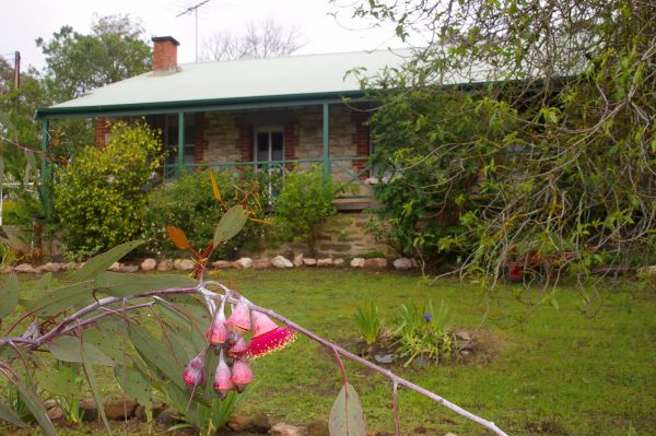 Naimanya Cottage - Mackay Tourism