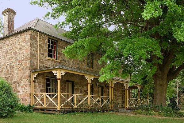 Old Stone House The - Mackay Tourism