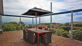 Coral Sands Seaview Beach House - Mackay Tourism