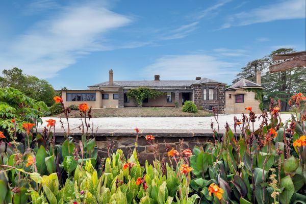 Eurambeen Historic Homestead and Gardens - Mackay Tourism