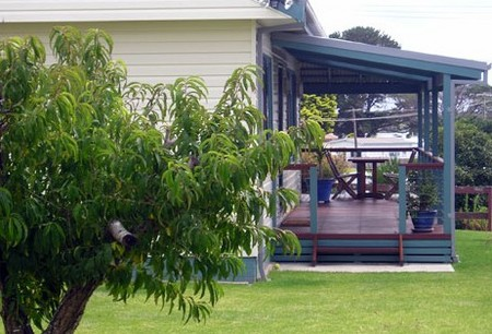 Anchor Bay Motel - Mackay Tourism